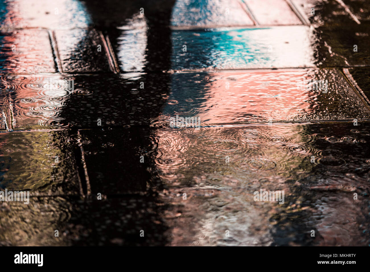 Wet asphalt - the color of calm, harmony and practicality 93