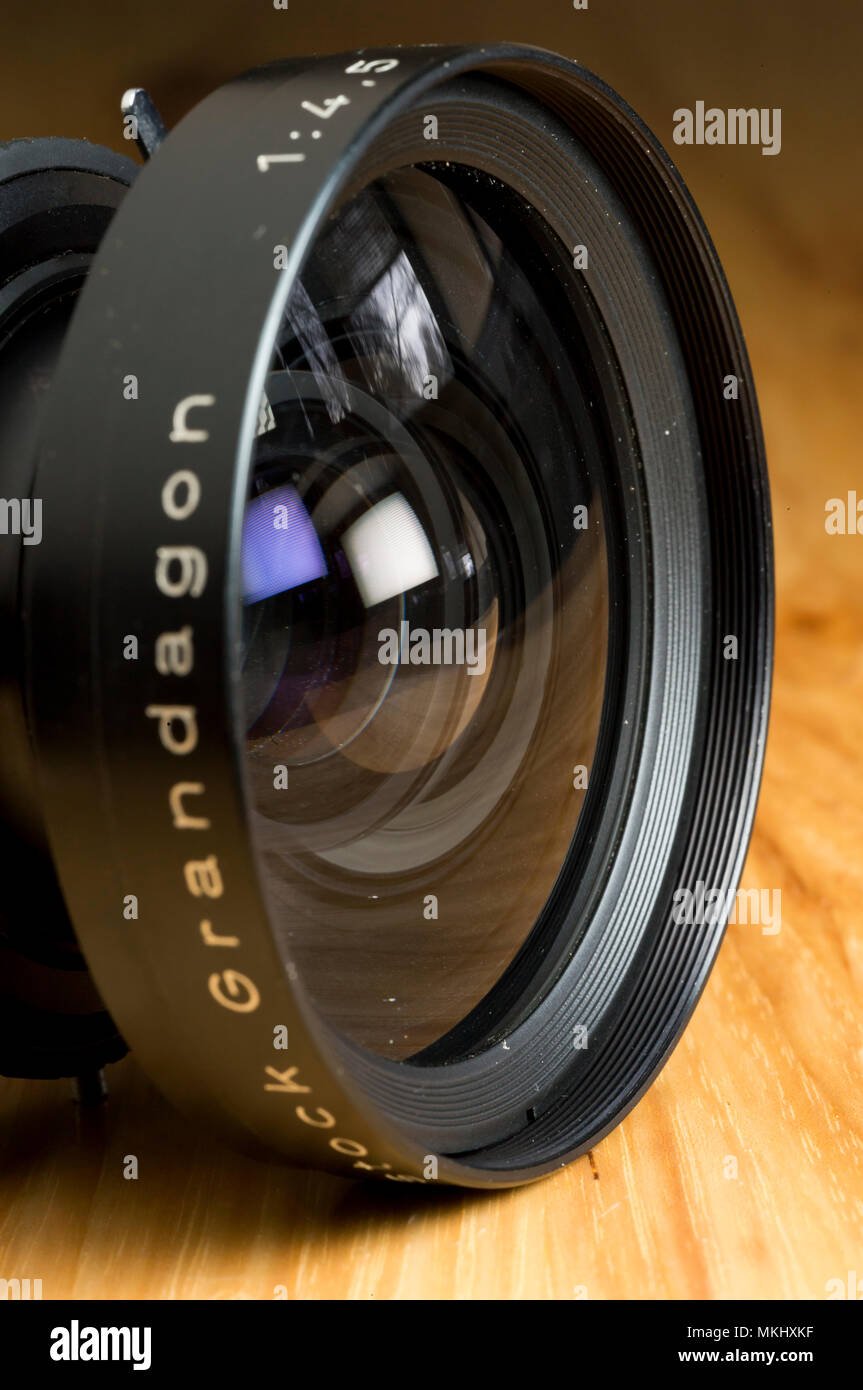 "Large format photographic lens, the 90mm wide angle lens for 5""x7"" and 13x18cm sheet film camera. Rodenstock Grandagon is the leading wide angle l - Stock Image"