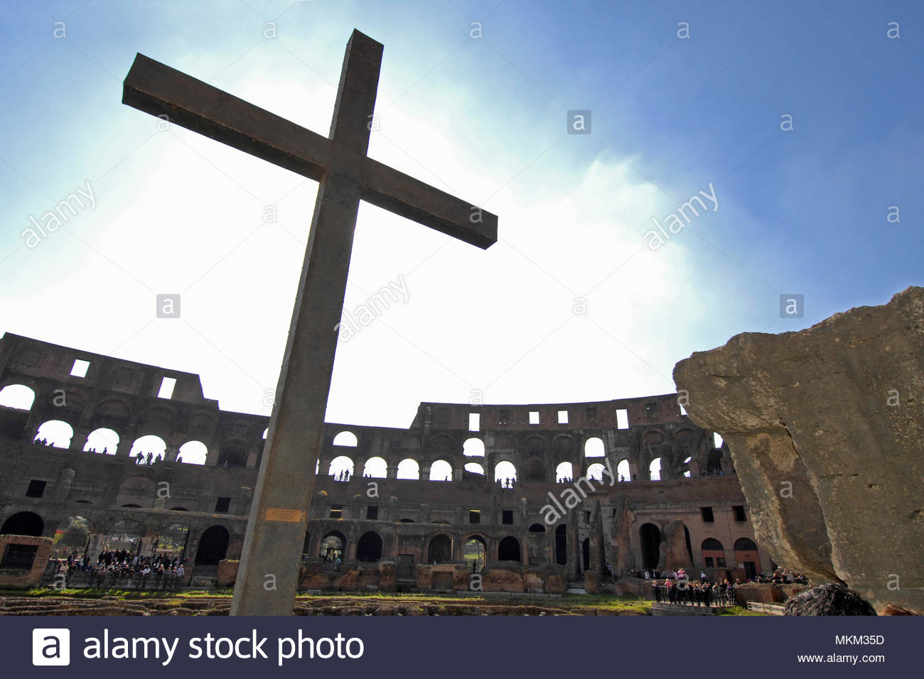 holy cross in the colosseum, Rome, Lazio, Italy, Europe / Rome | Heiliges Kreuz im Kolosseum, Rom Latium, Italien, Europa / Rom Stock Photo