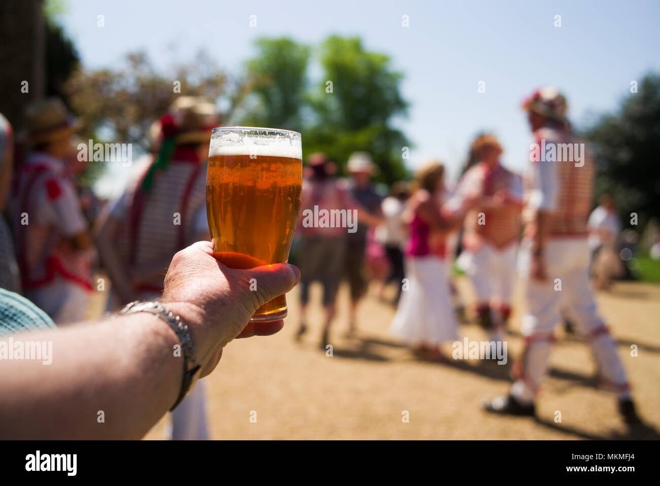 Thaxted Essex England UK. May Day Bank Holiday Monday 7 May 2018 On one of the hottest May Day Bank Holiday Mondays ever recorded the Thaxted Morris i - Stock Image