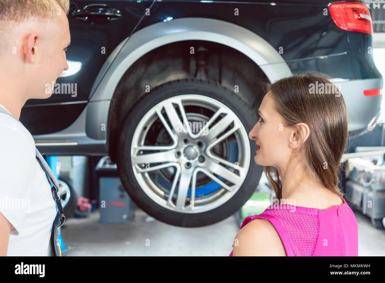Reliable Auto Mechanics >> Beautiful Woman Looking Happy At A Reliable Auto Mechanic