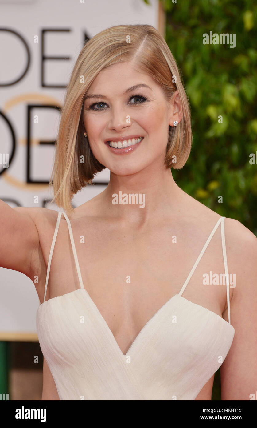 Rosamund Pike 556 at the  72th Golden Globes Awards 2015 at the Beverly Hilton in Los Angeles. January 11, 2015Rosamund Pike 556  Event in Hollywood Life - California,  Red Carpet Event, Vertical, USA, Film Industry, Celebrities,  Photography, Bestof, Arts Culture and Entertainment, Topix Celebrities fashion / one person, Vertical, Best of, Hollywood Life, Event in Hollywood Life - California,  Red Carpet and backstage, USA, Film Industry, Celebrities,  movie celebrities, TV celebrities, Music celebrities, Photography, Bestof, Arts Culture and Entertainment,  Topix, headshot, vertical, from th - Stock Image