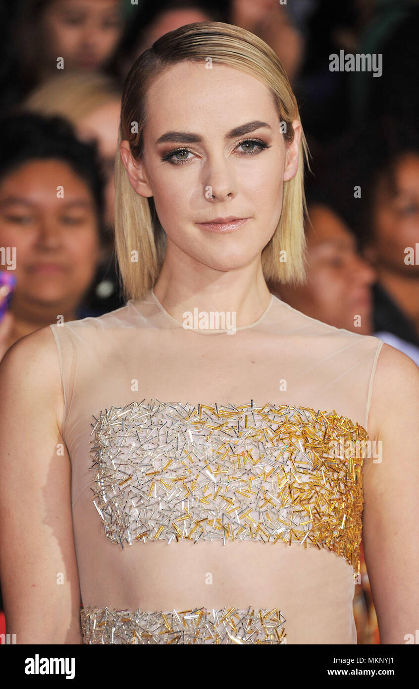 Jena Malone Hunger Games High Resolution Stock Photography And Images Alamy