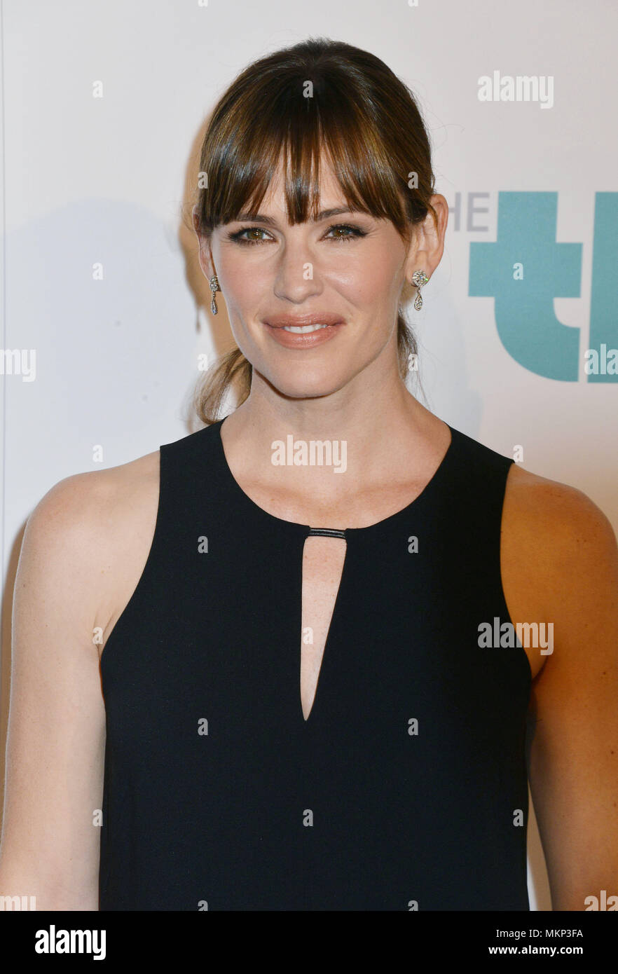 Jennifer Garner at the 5th Ann. Thirst Gala at the Beverly Hilton in Los Angeles. Jennifer Garner 048 Red Carpet Event, Vertical, USA, Film Industry, Celebrities,  Photography, Bestof, Arts Culture and Entertainment, Topix Celebrities fashion /  Vertical, Best of, Event in Hollywood Life - California,  Red Carpet and backstage, USA, Film Industry, Celebrities,  movie celebrities, TV celebrities, Music celebrities, Photography, Bestof, Arts Culture and Entertainment,  Topix, headshot, vertical, one person,, from the year , 2014, inquiry tsuni@Gamma-USA.com - Stock Image