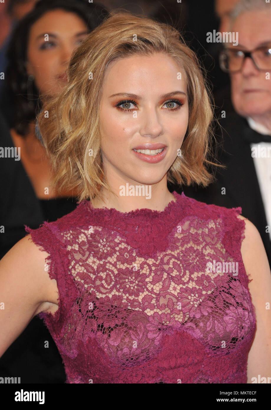 Scarlett Johansson At The 83th Academy Awards At The Kodak Theatre In Los Angeles A Scarlett