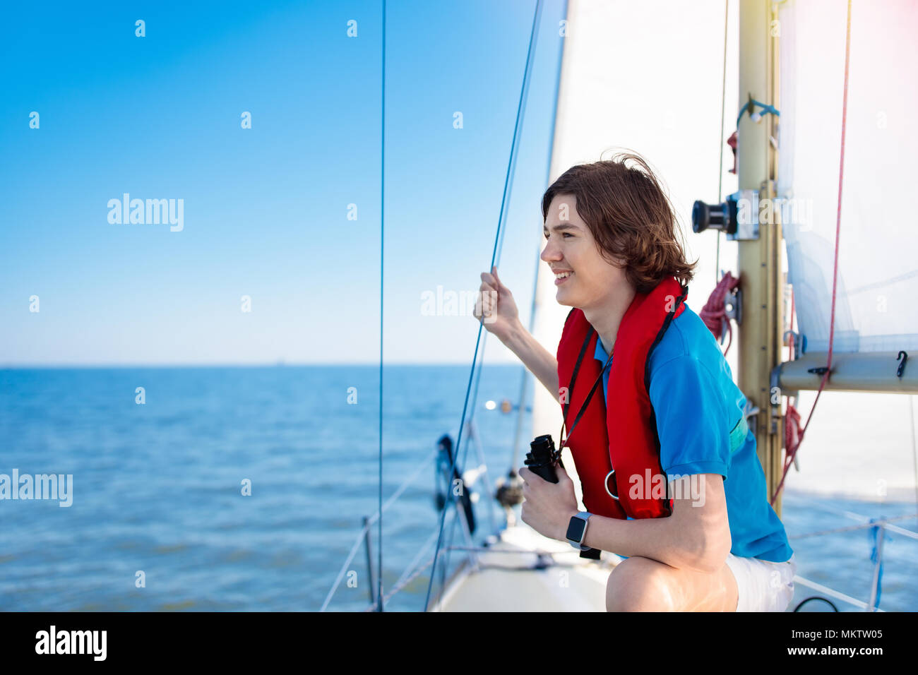 Young teen sailing — pic 6