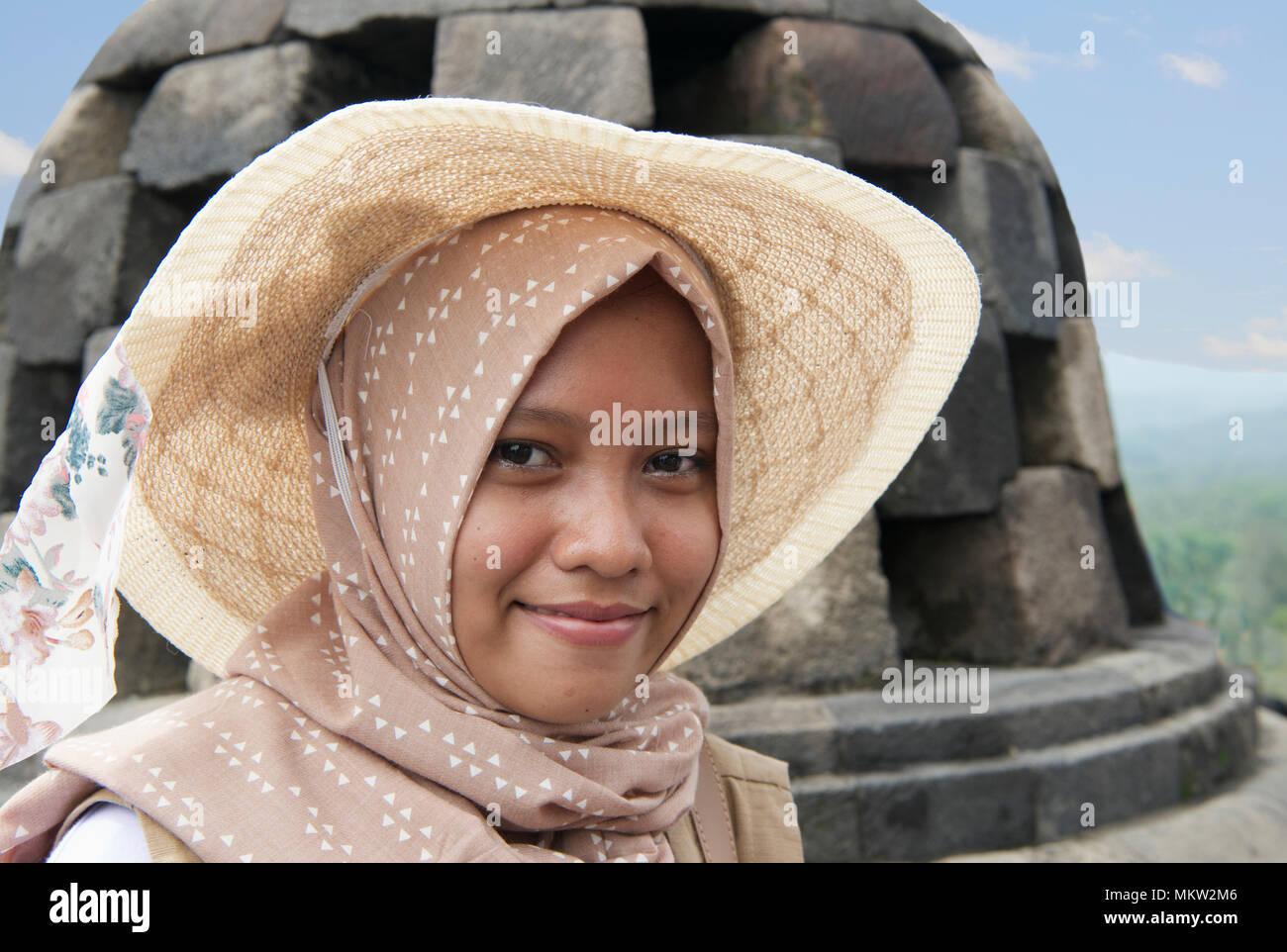 Pretty indonesian girls