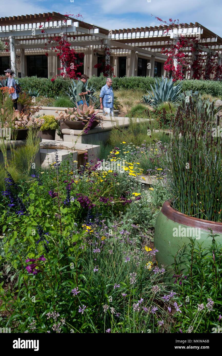 People visiting the Huntington Gardens in Pasadena, CA - Stock Image