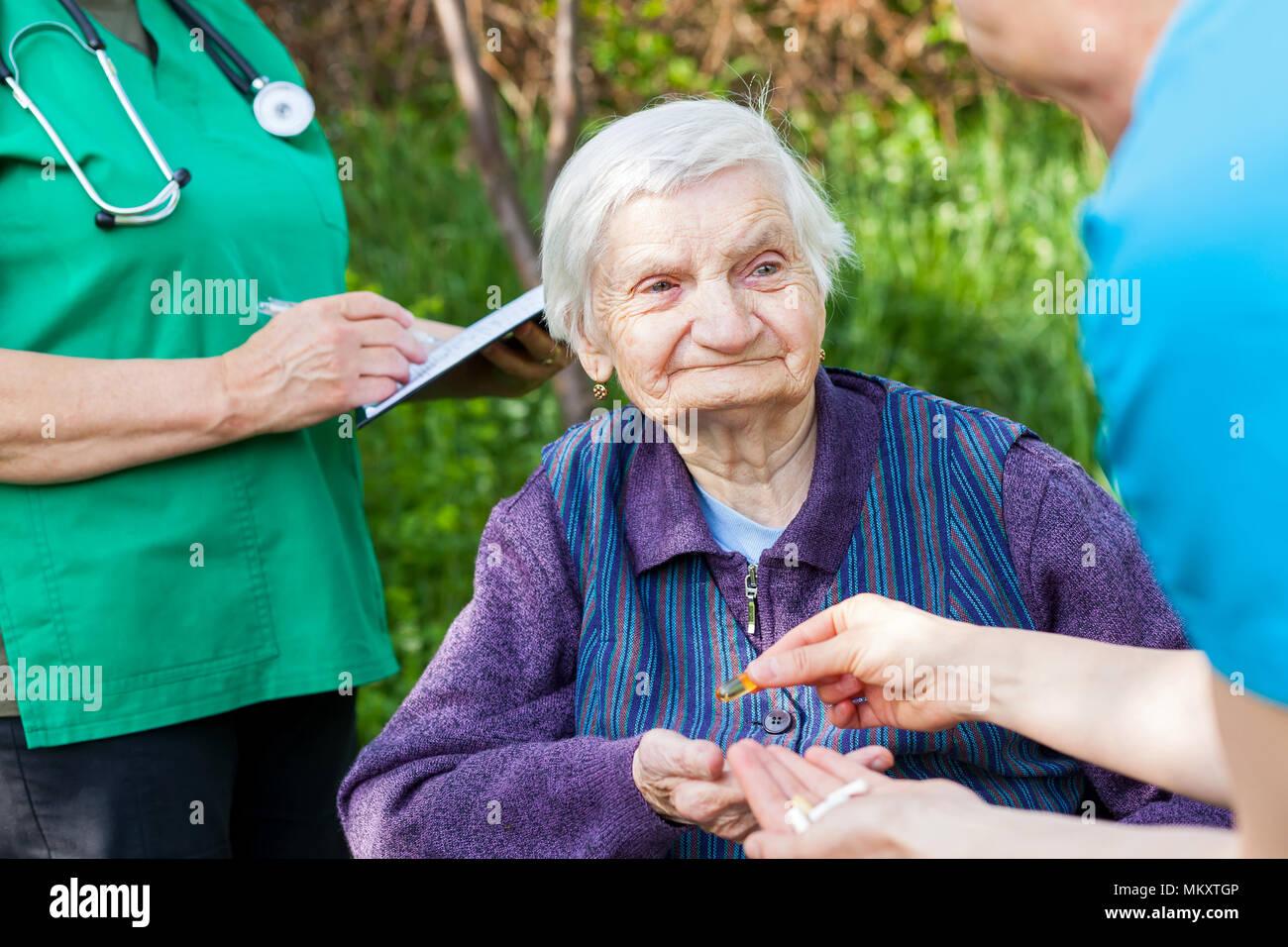 Women nursing tgp