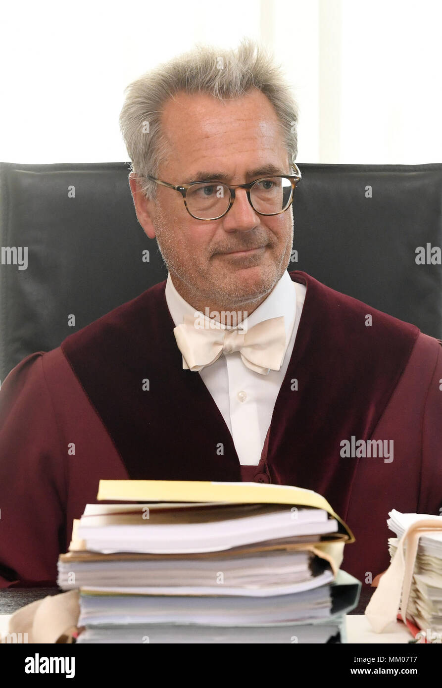 09 May 2018, Germany, Karlsruhe: The chair of the First Civil Chamber at the Federal Supreme Court (BGH), Thomas Koch, opens the trial. The Federal Supreme Court is negotiating whether the music platform Youtube bears liability for copyright infringements of their users. A music producer has been suing the Google subsidiary for ten years. Photo: Uli Deck/dpa Stock Photo
