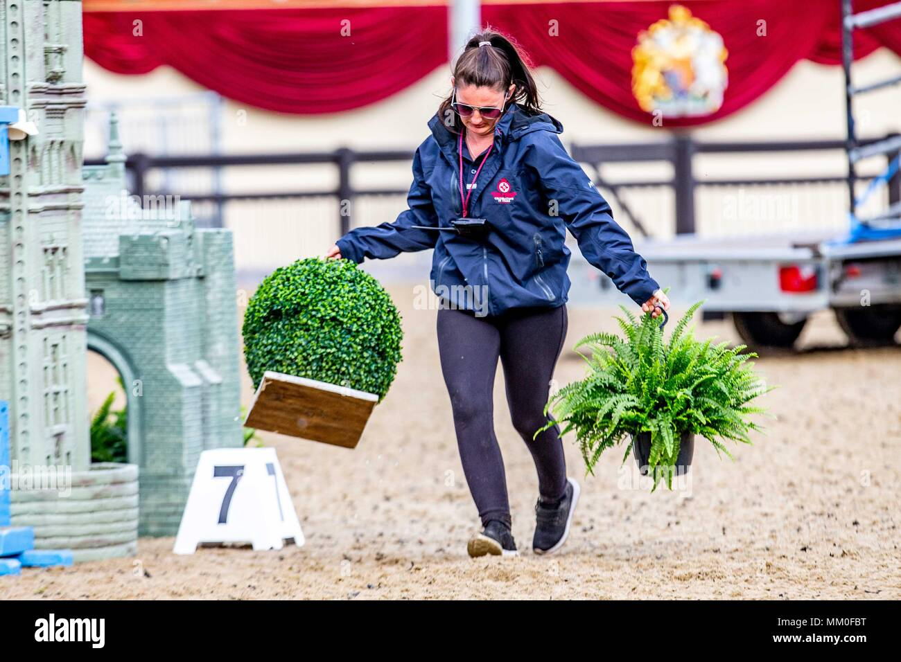 Windsor, Berkshire, UK. 9th May 2018. Day 1. Royal Windsor Horse Show. Windsor. Berkshire. UK.  Showjumping. Arena party. GBR. 09/05/2018. Credit: Sport In Pictures/Alamy Live News - Stock Image