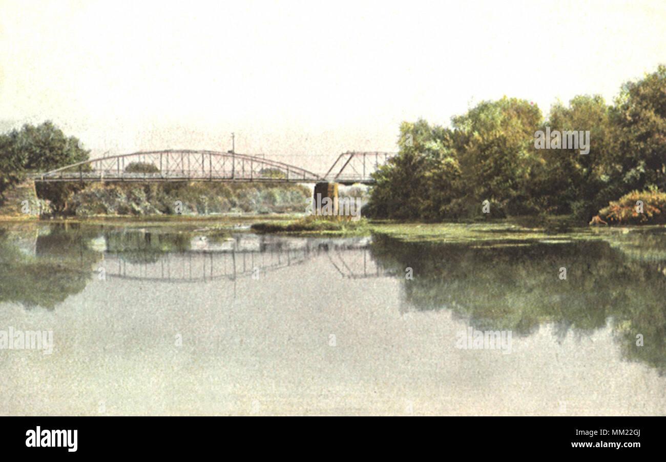 Mahoning River and Bridge. Warren. 1910 - Stock Image