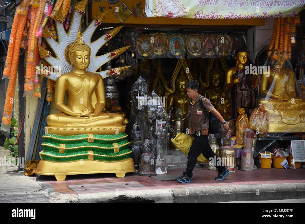 Monks Shop Thailand Stock Photos & Monks Shop Thailand Stock Images