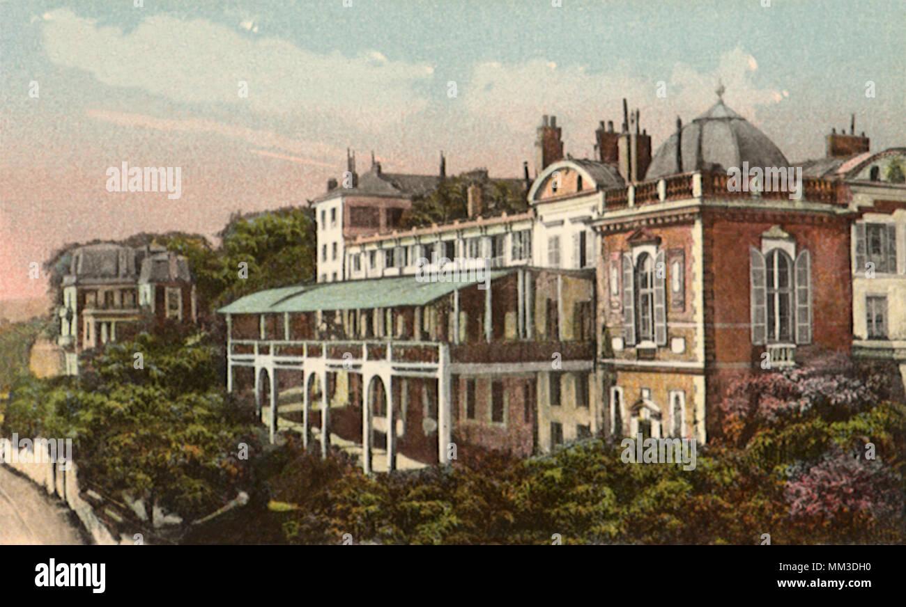 Home St Germain En Laye henry iv pavilion. saint-germain-en-laye. 1930 stock photo