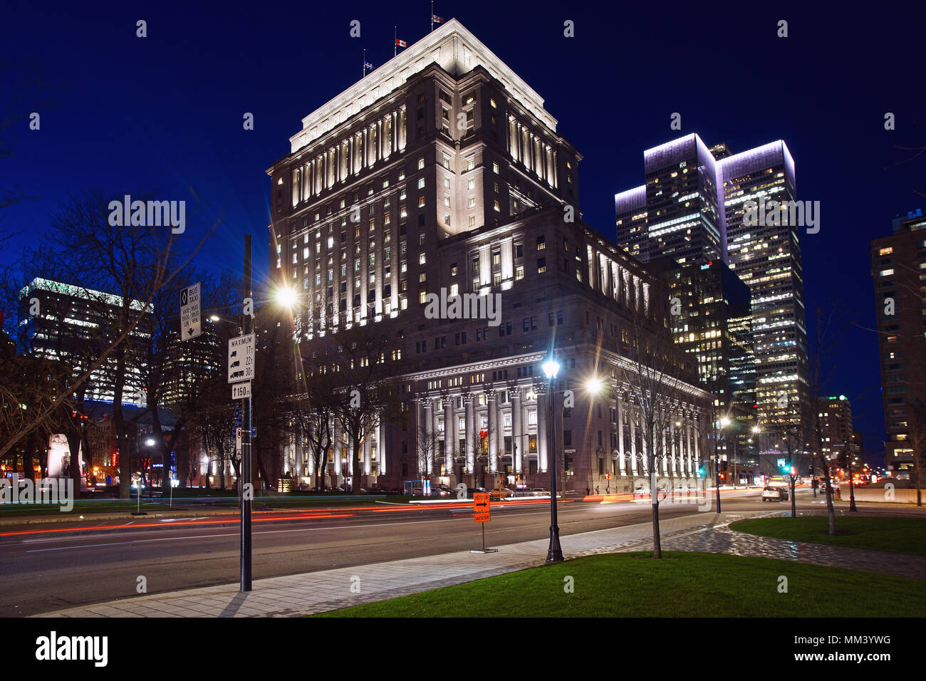Montreal,Canada,8 May,2018.Sunlife building with the Place Ville Marie tower in the background at night.Credit:Mario Beauregard/Alamy Live News. Stock Photo