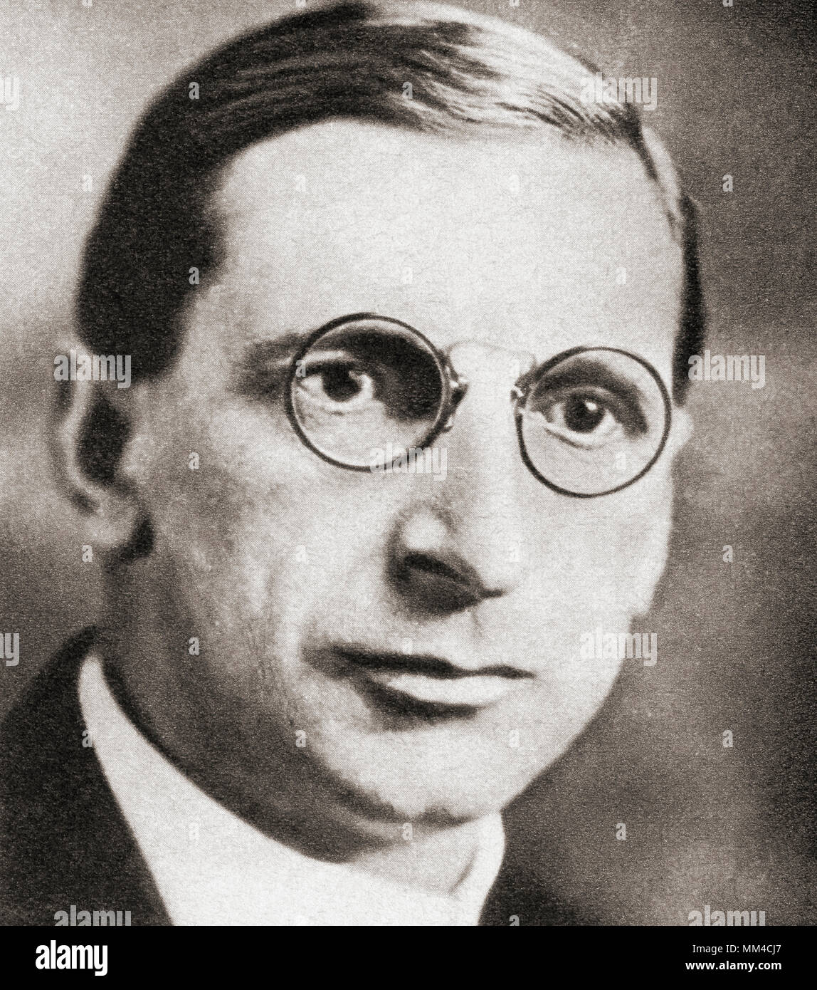 Éamon de Valera,  first registered as George de Valero but changed some time before 1901 to Edward de Valera, 1882 –  1975.  Irish statesman and political leader.  From The Pageant of the Century, published 1934 - Stock Image