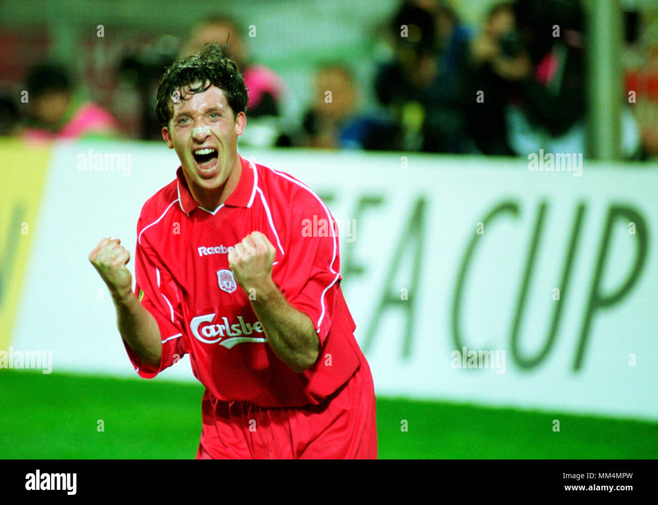 Football: Westfalenstadion Dortmund Germany 16.5.2001, UEFA Cup Season 2000/2001 Final Liverpool FC vs Deportivo Alaves 5:4 after golden goal extra time ---  Robbie FOWLER (Liverpool) celebrates hs goal for the 4:3 Stock Photo