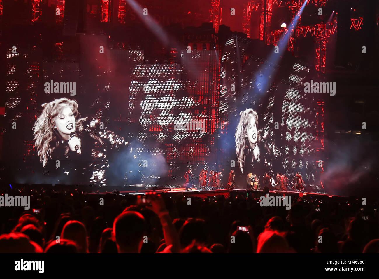 Taylor Swift During The Opening Show For Her Reputation Tour At The University Of Phoenix Stadium Glendale Arizona Stock Photo Alamy