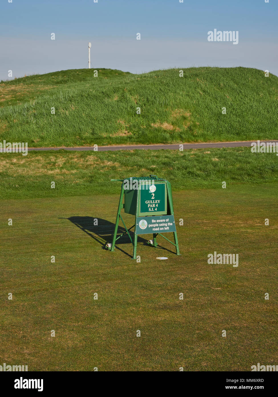 the Tee Box at the Par 4 second hole on the Championship Course at Carnoustie Golf Links, in Carnoustie, Angus, Scotland. - Stock Image