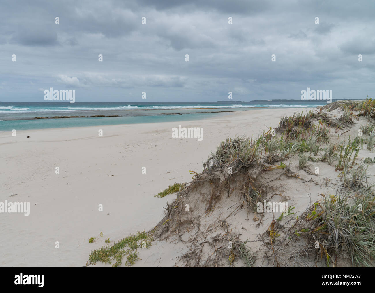 Ten Mile Lagoon close to Esperance on an overcast day, Western Australia - Stock Image