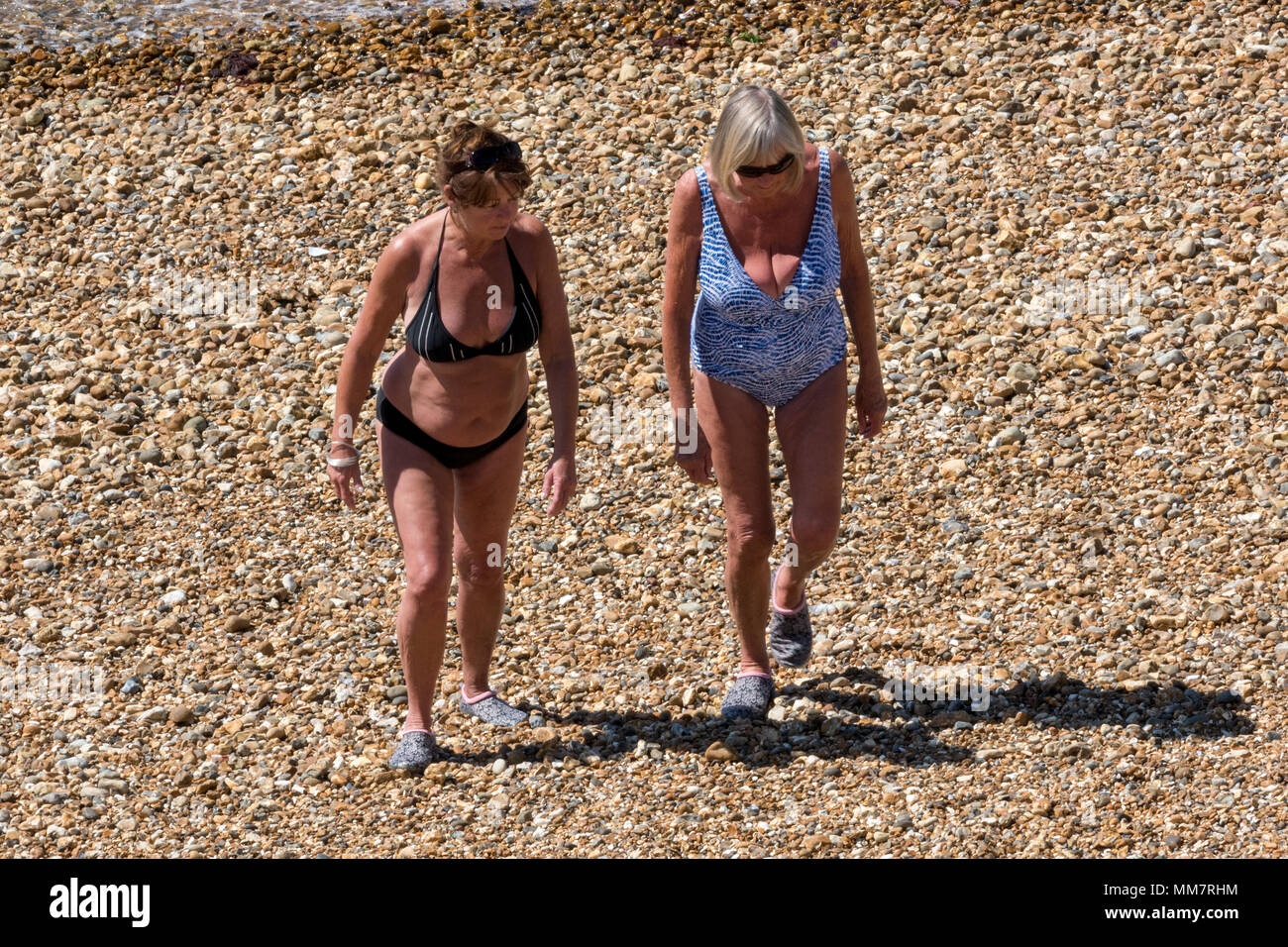 Middle Sunbathing Photosamp; Stock Aged Beach 76Ybfvgy