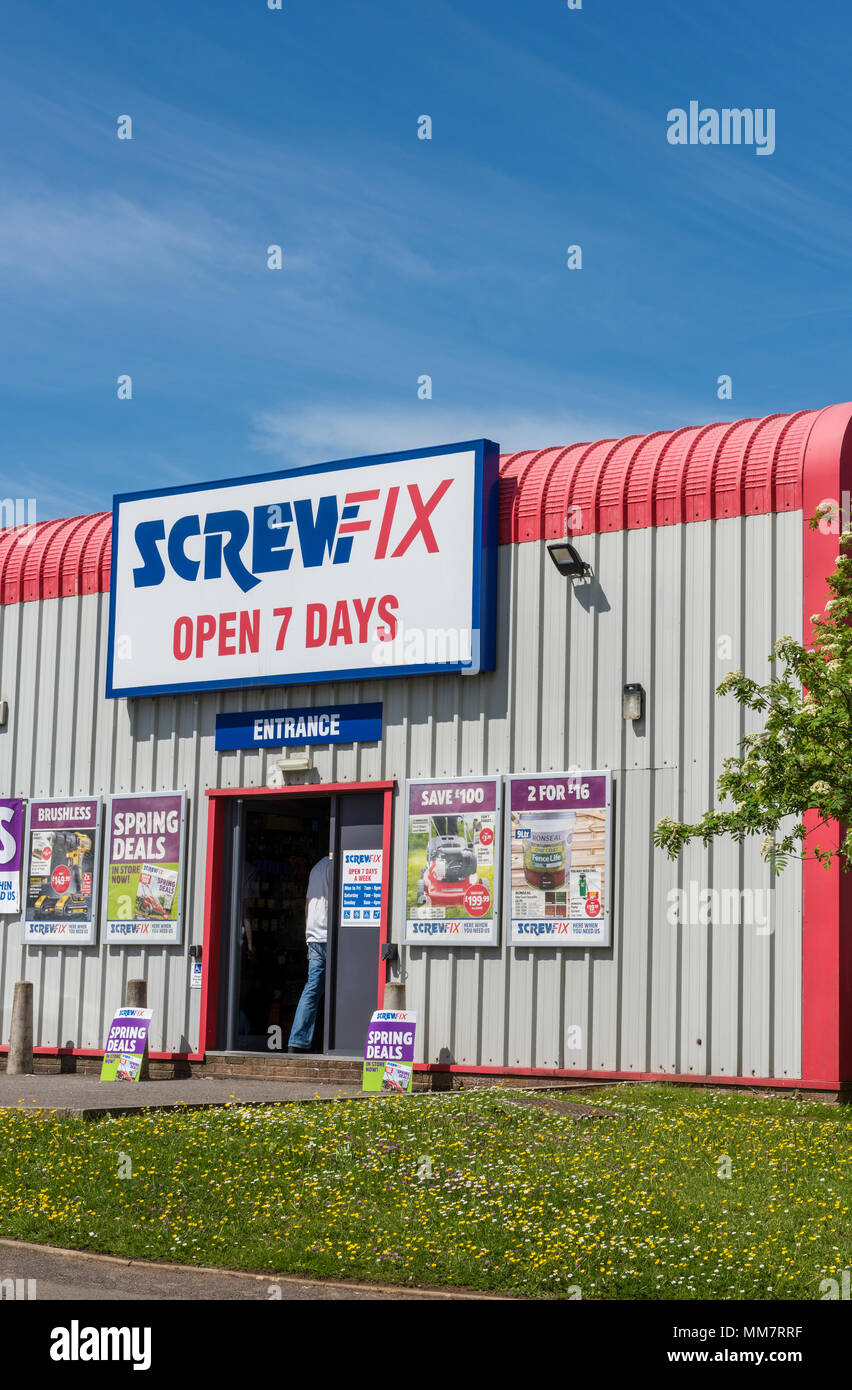 a branch of the buildings and tool supplier screwfix selling tools and fixings to the building trade and other tradesmen. high street retailers trade. - Stock Image