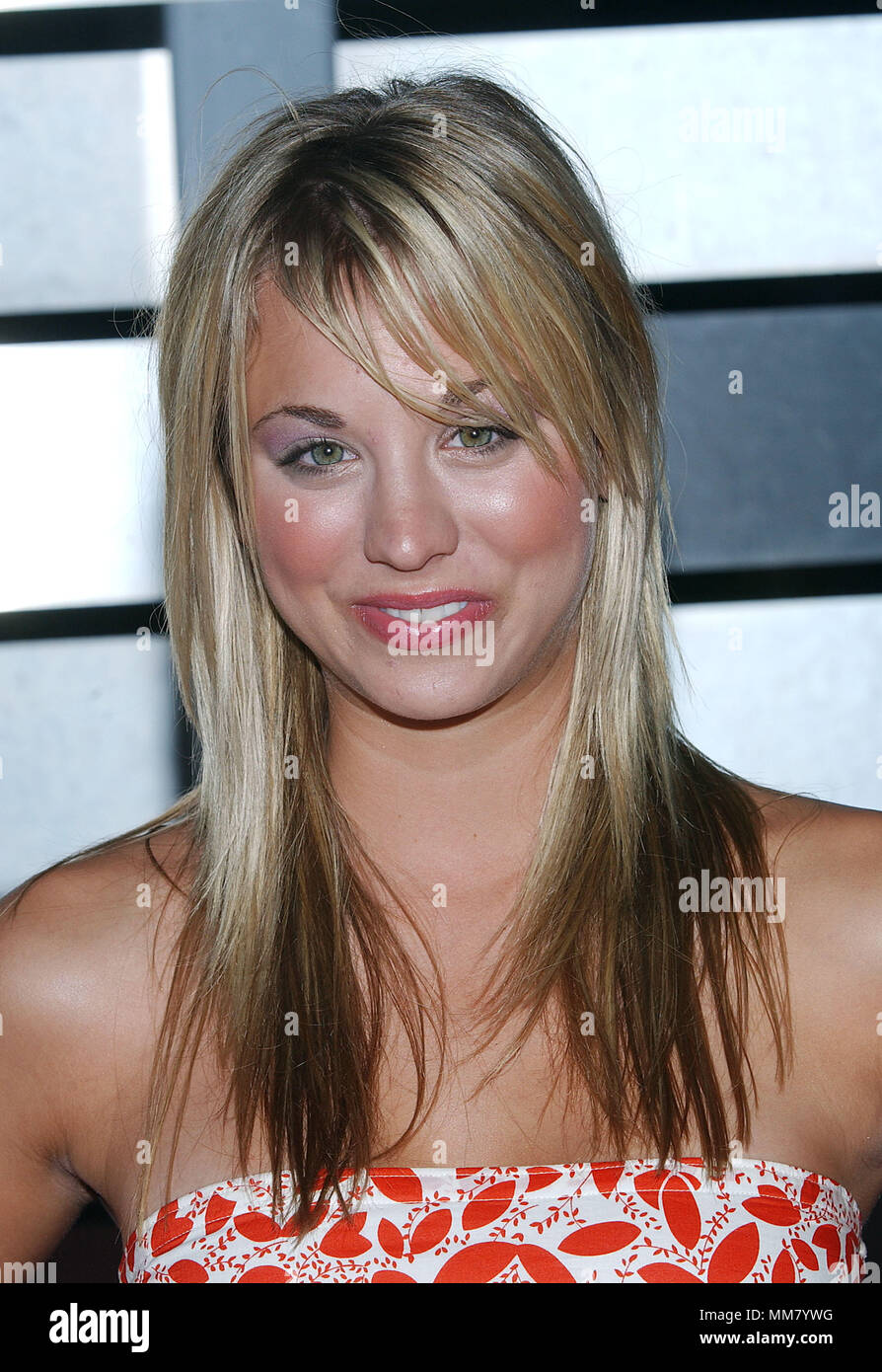 Kaley Cuoco 8 Simple Rules Arriving At The Abc All Star Party For