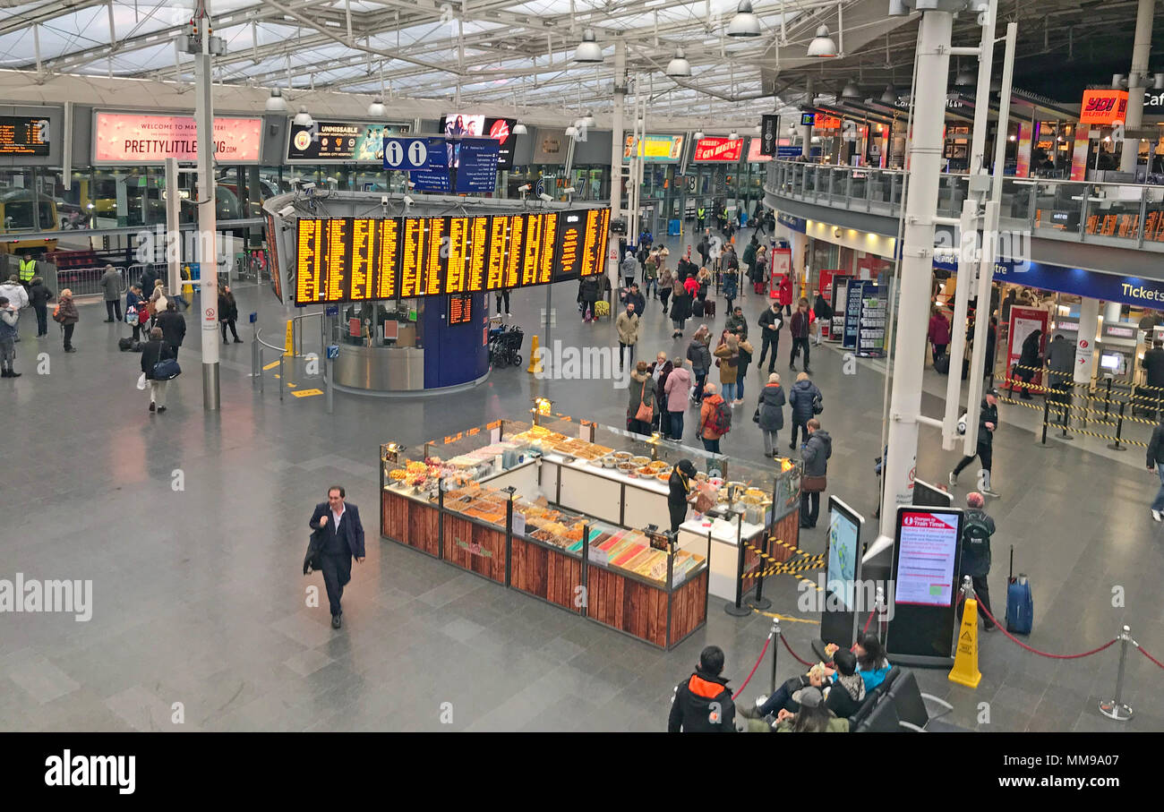 Piccadilly Railway Station, Manchester, Lancs, England, UK - Stock Image