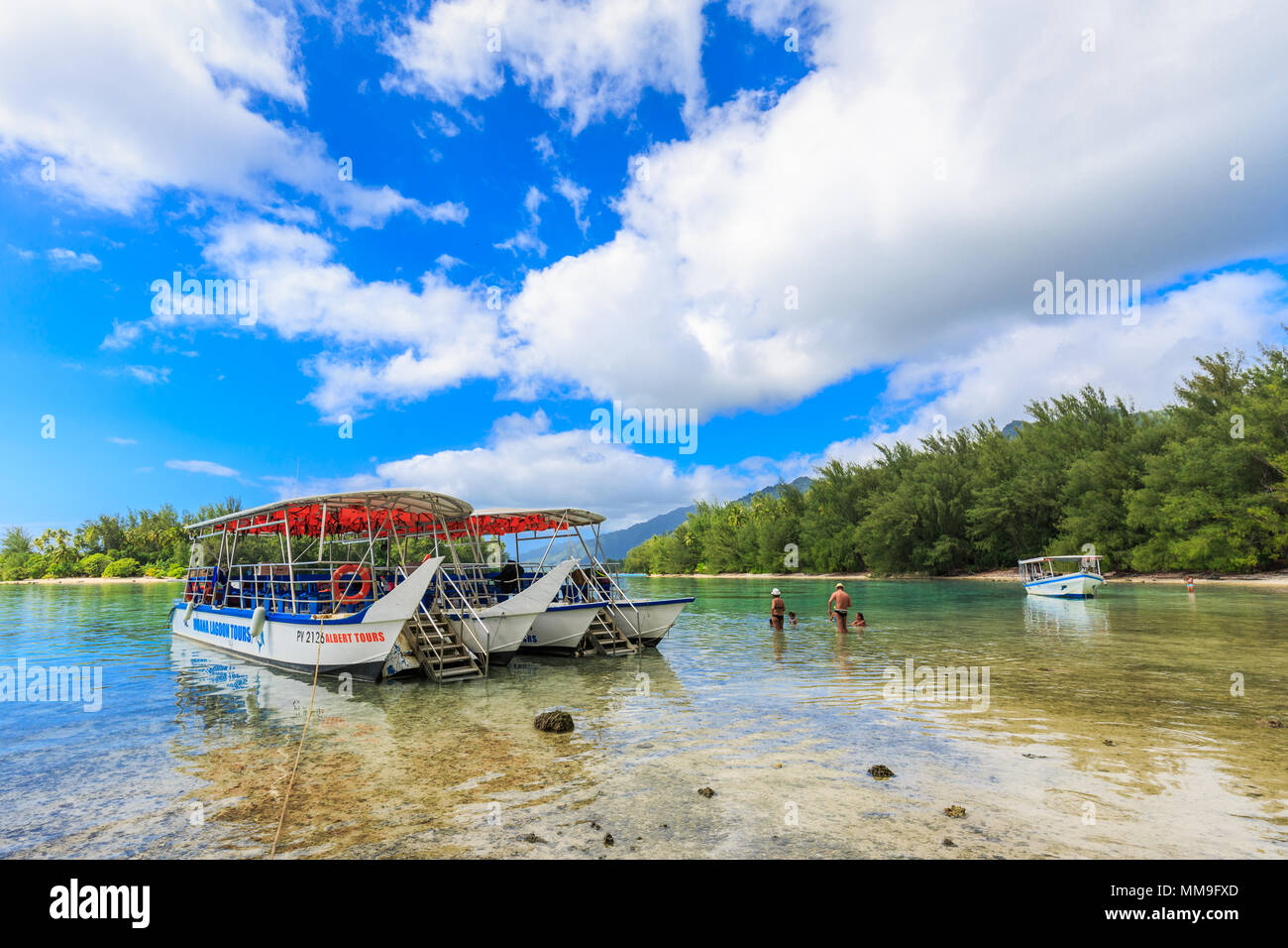 TAHITI, FRENCH POLYNESIA – AUGUST 23, 2017 : The tourists and passenger boat in Moorea Island at Tahiti PAPEETE, FRENCH POLYNESIA. - Stock Image
