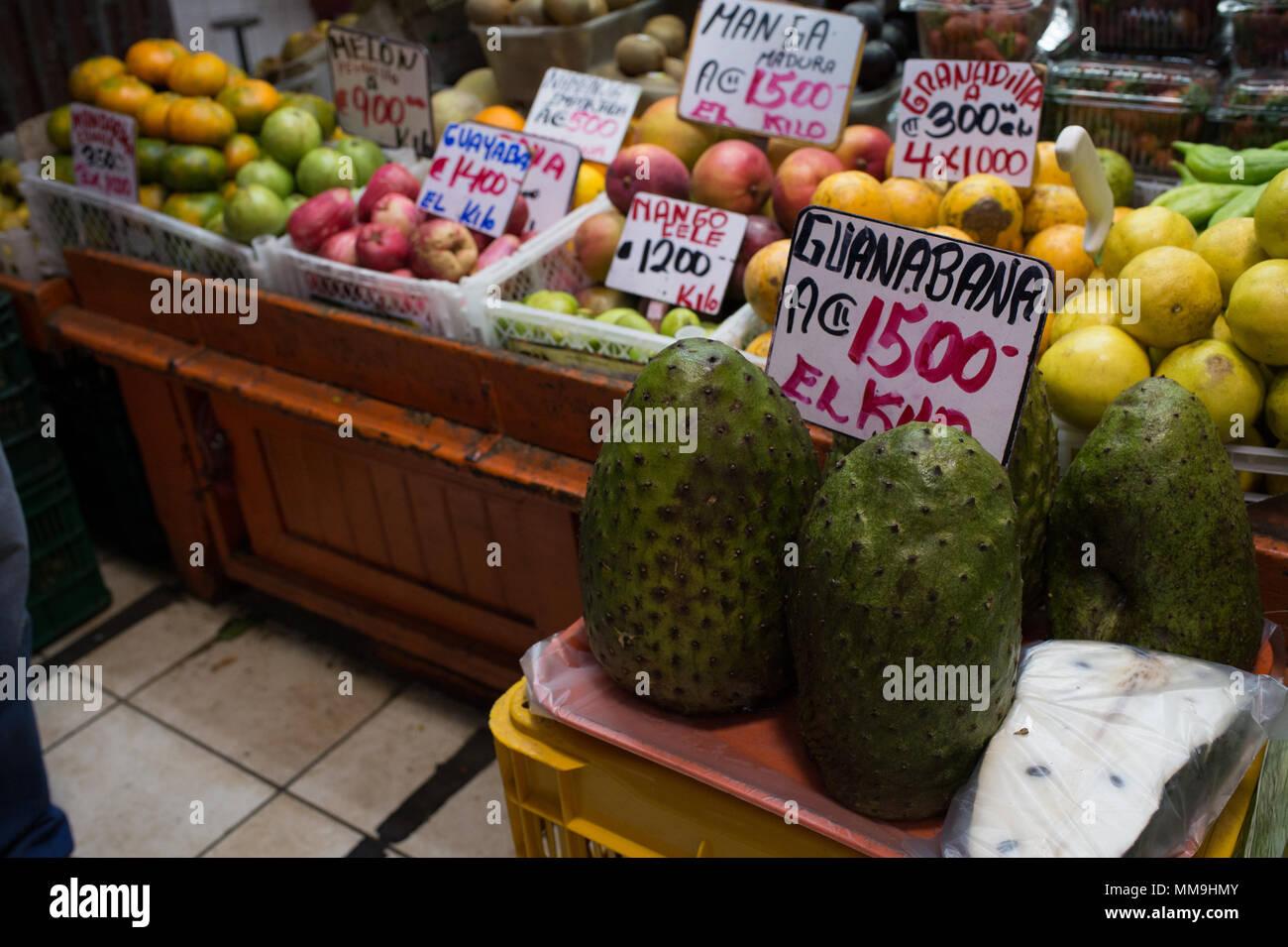 San Jose Costa Rica Market Stock Photos & San Jose Costa Rica Market ...