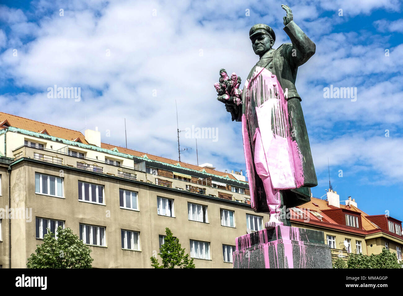 Statue of the Soviet Marshal Konev painted in pink color. Dejvice, Prague, Czech Republic - Stock Image