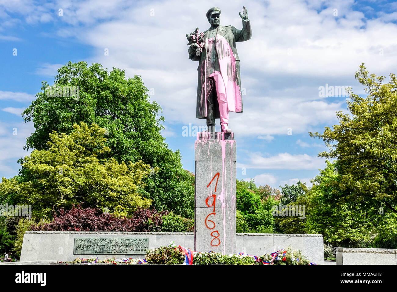 Statue of the Soviet Marshal Konev painted in pink color and inscription 1968. Dejvice, Prague, Czech Republic - Stock Image