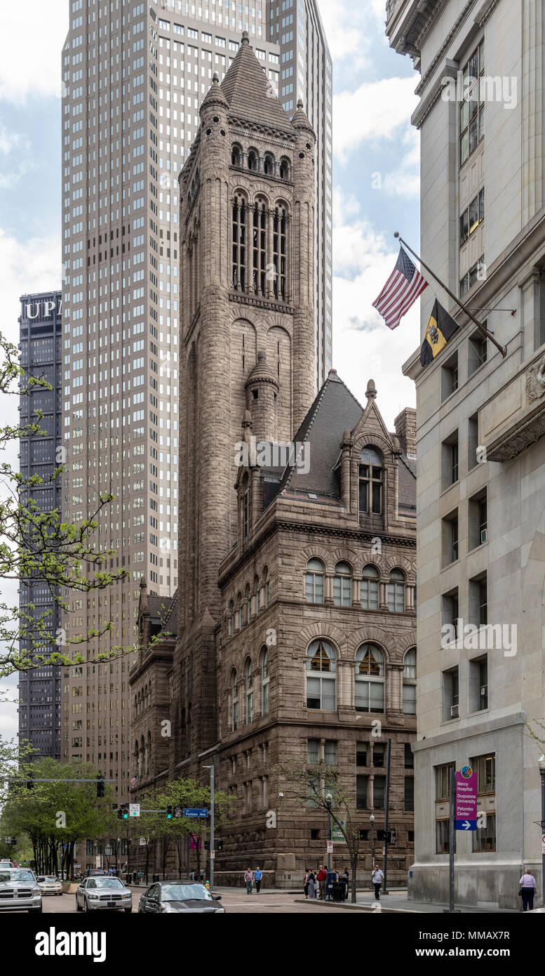 Henry Hobson Richardson's Romanesque Revival Allegheny County Courthouse, Pittsburgh, PA, USA - Stock Image