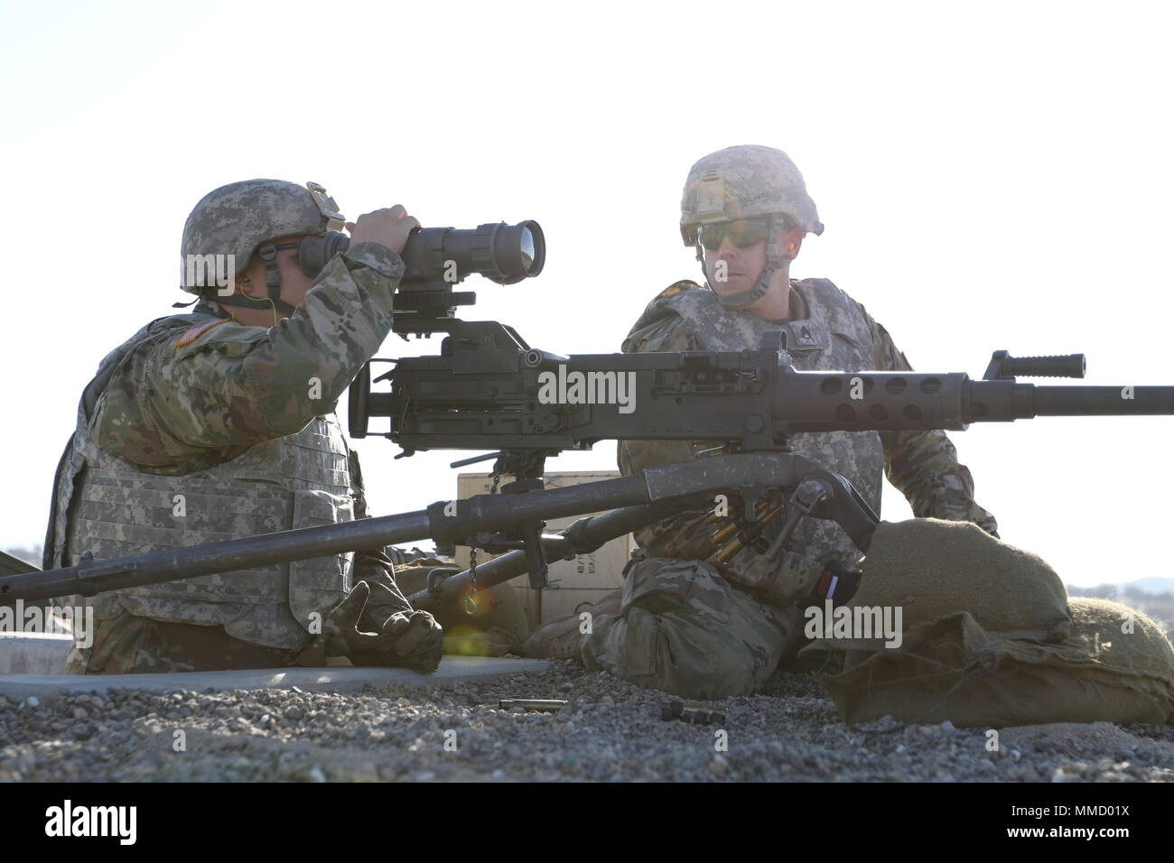 U S Army Reserve Spc Stephen Justin Adjusts An An Pas 13 Thermal Weapon Sight While Staff Sgt Jeff Harley Looks On Both Soldiers Are Petroleum Supply Specialists With The 842nd Quartermaster Company Preparing To