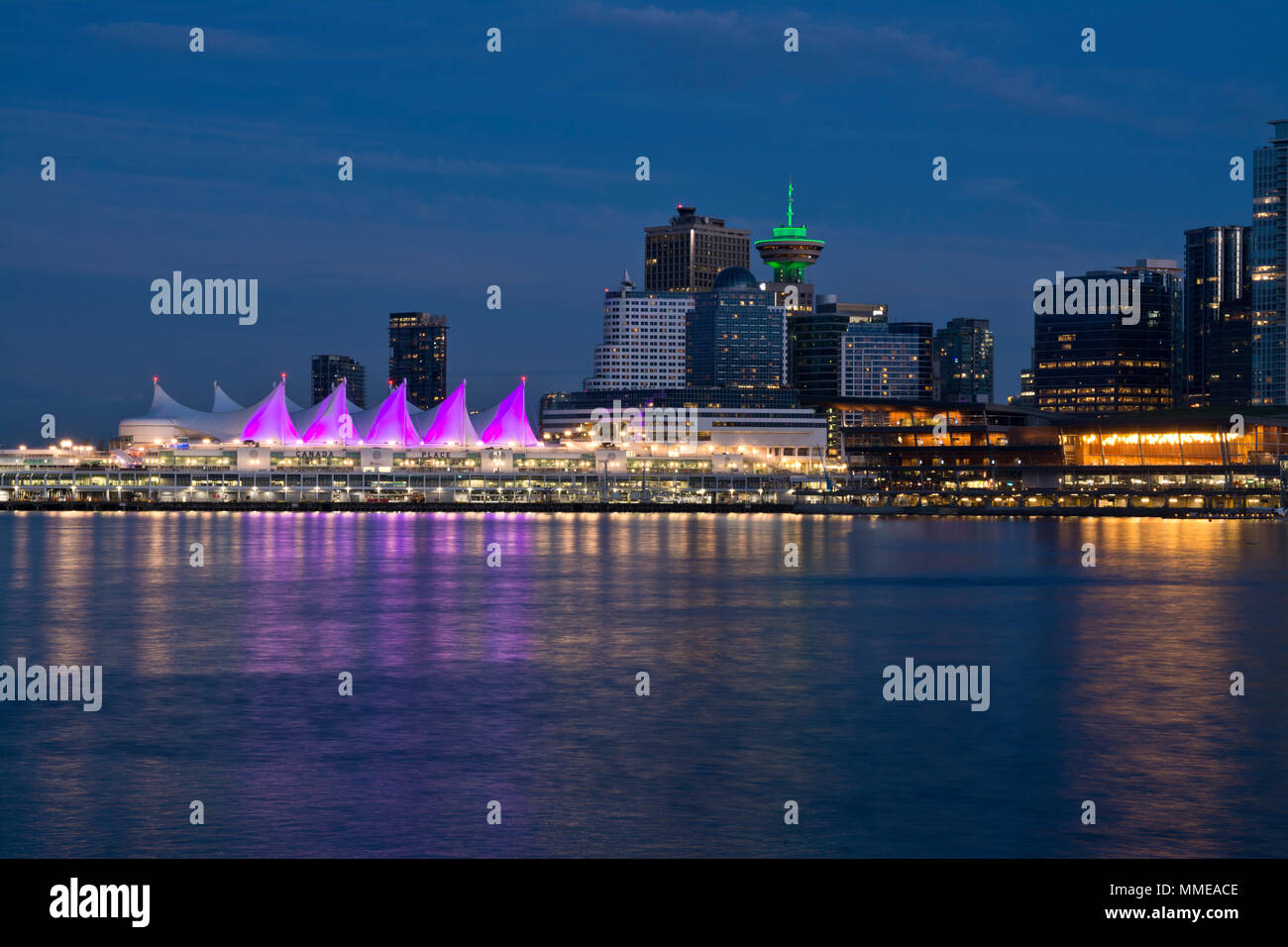 vancouver-city-skyline-on-the-waterfront