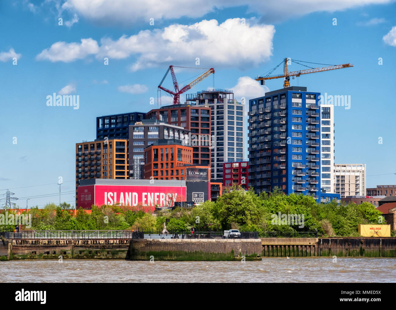 London City Island, new-build luxury riverside apartment development by Ballymore on Leamouth peninsula, Canning Town, London - Stock Image
