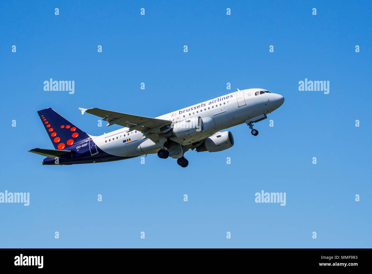 Airbus A319-111 from Brussels Airlines in flight above the Brussels-National airport, Zaventem, Belgium - Stock Image