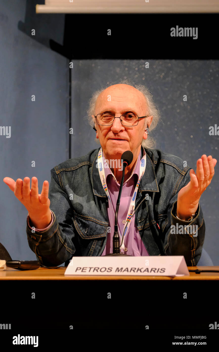 Turin, Piedmont, Italy, 10th May, 2018. International Book fair 2018,first day.The Greek novelist Petros Markaris presenting his last book L'università del Crimine. Credit: RENATO VALTERZA/Alamy Live News - Stock Image