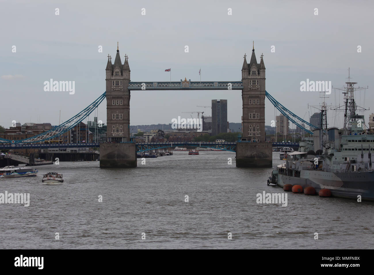 London,UK,11th May 2018,People enjoy the Cloudy warm weather in London  Credit Keith Larby/Alamy Live News - Stock Image