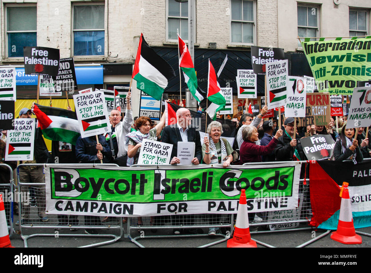 London, UK. 11th May 2018. Protesters during the Nakba Day Protest Credit: Alex Cavendish/Alamy Live News - Stock Image