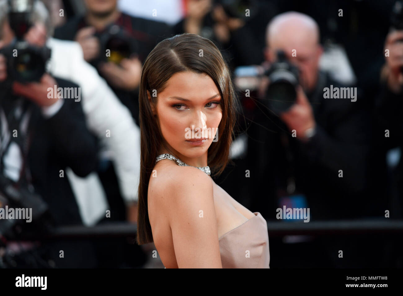 Fashion style Buzz link bella hadid signs img for girls
