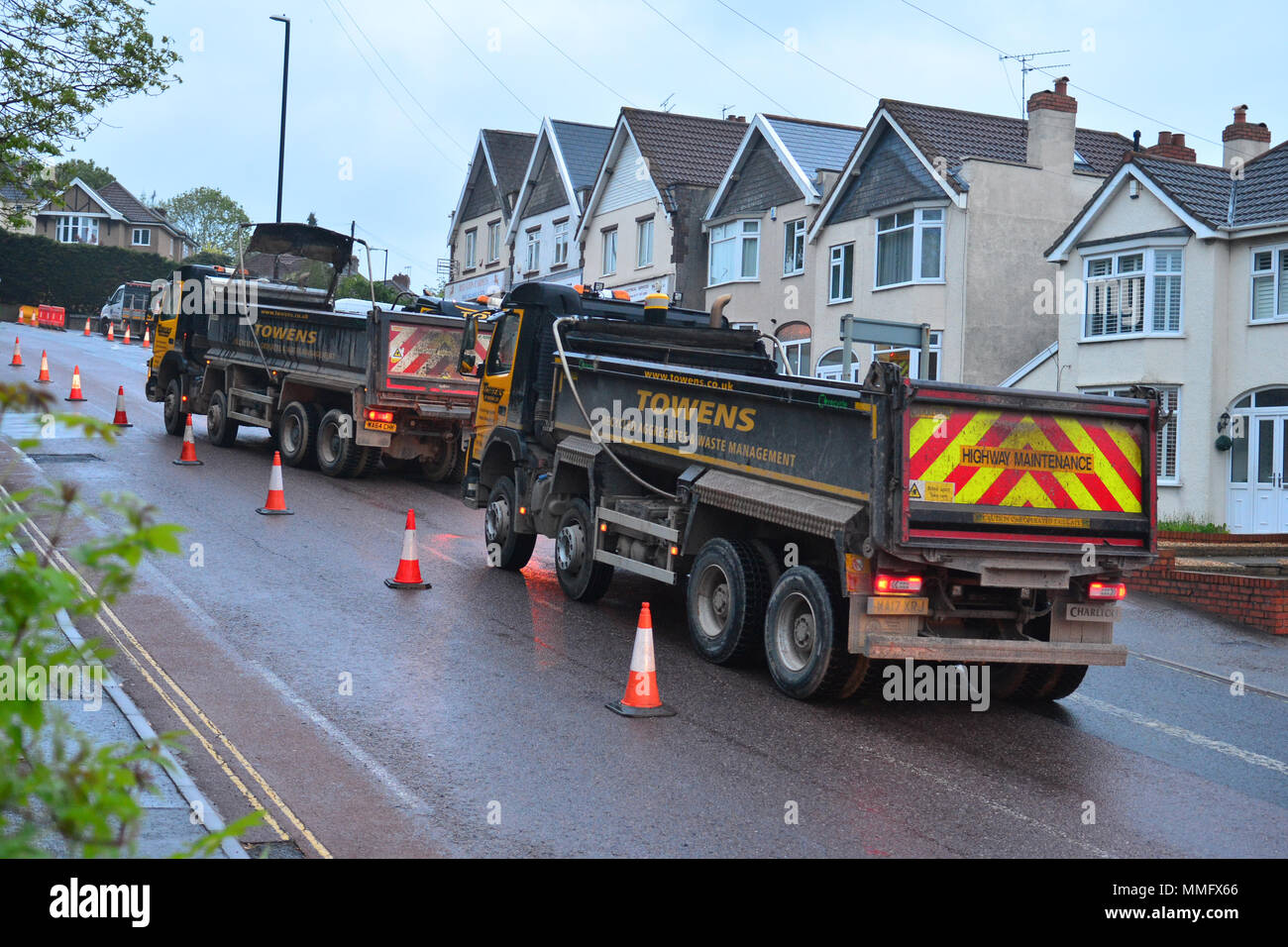 Bristol, UK. 11th May 2018. Workmen seen carrying out overnight resurfacing of the Wells Road A37, outbound Broadfield Road to Airport Road on Friday 11th may .Part of a larger on going scheme. Bristol City Council and North East Somerset Council made a joint bid to the Department of Transport for the Local Highways Maintenance Challenge Fund. Total amount awarded which includes a contribution from each authority is £6.4m Proposed carriageway reconstruction A4 and A4174 Corridors. Robert Timoney/Alamy/Live/News Stock Photo