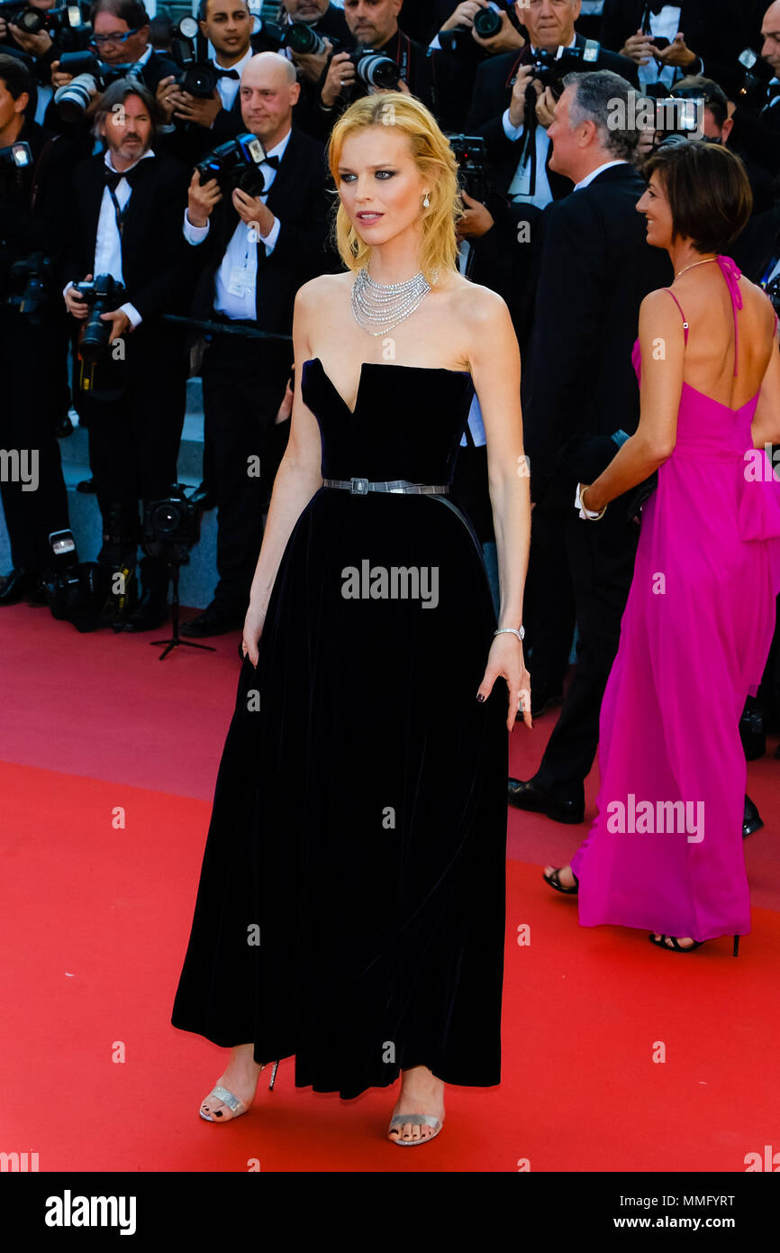 Cannes, France. 11th May 2018. Eva Herzigova on the 'Ash Is Purest White' Red Carpet on Friday 11 May 2018 as part of the 71st International Cannes Film Festival held at Palais des Festivals, Cannes. Pictured: Eva Herzigova. Picture by Julie Edwards. Credit: Julie Edwards/Alamy Live News Stock Photo