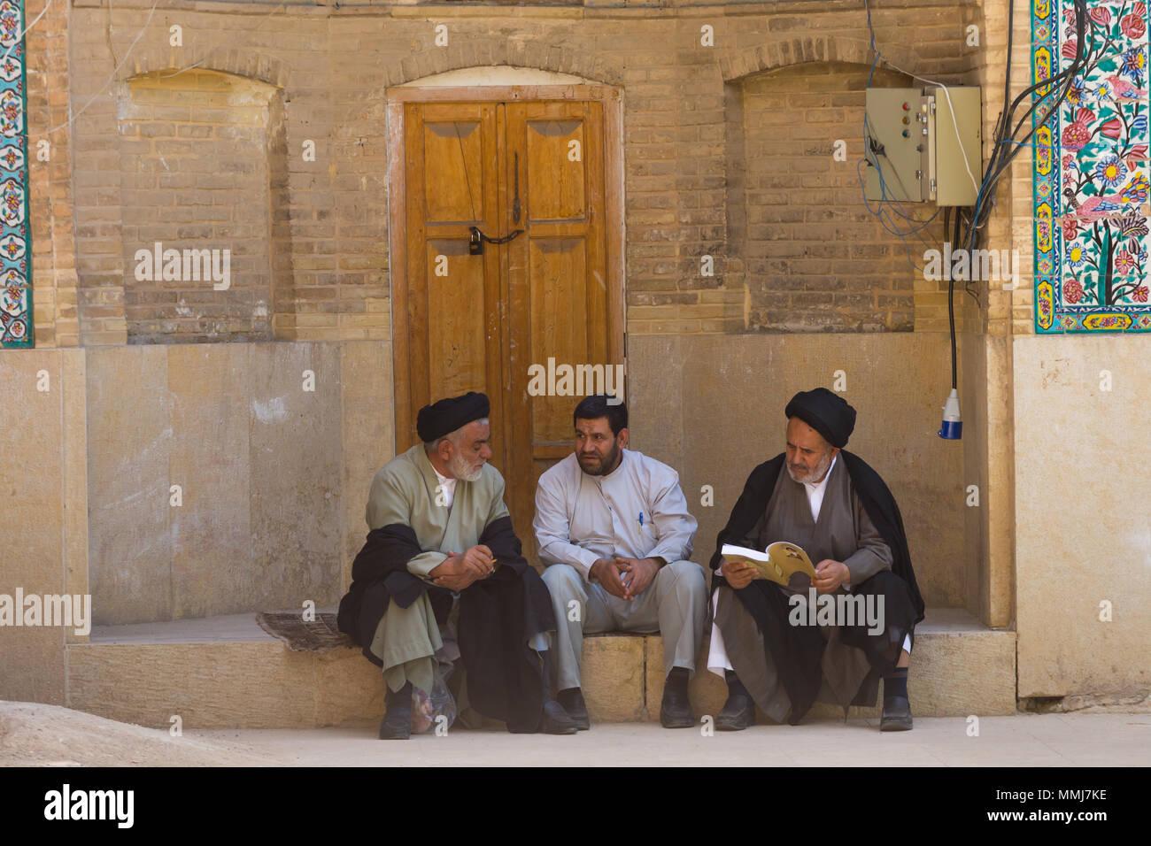 SHIRAZ, IRAN - APRIL 26, 2015: religious unidentified men in Shiraz, Iran - Stock Image