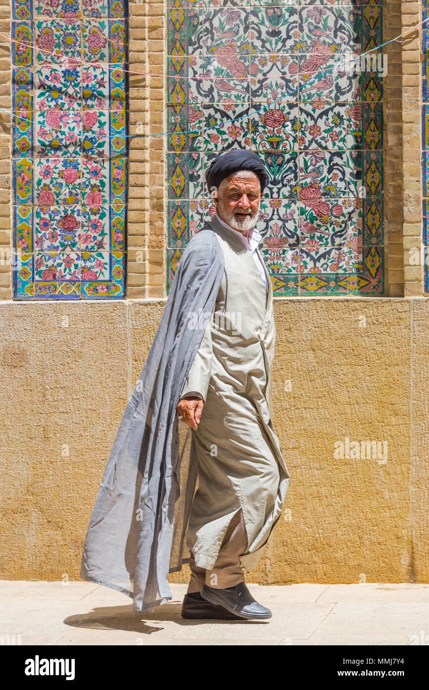 SHIRAZ, IRAN - APRIL 26, 2015: religious unidentified man in Shiraz, Iran - Stock Image