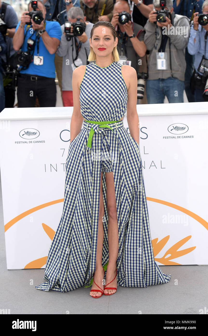 """Cannes, France. 12th May, 2018. 71st Cannes Film Festival 2018, Photocall film """"Gueule d'ange"""". Pictured: Marion Cotillard Credit: Independent Photo Agency/Alamy Live News Stock Photo"""