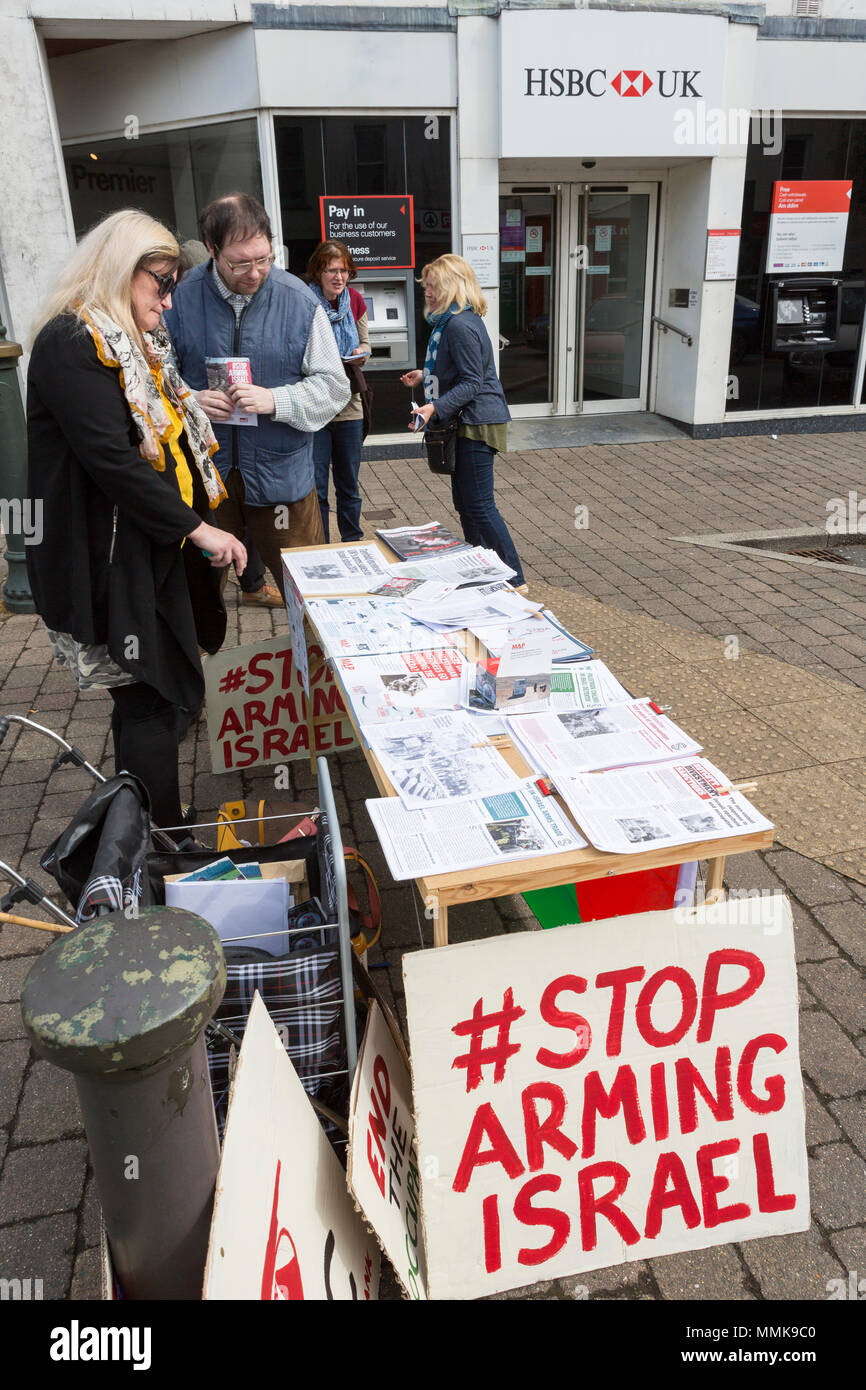 Lammas Street, Carmarthen, Wales, UK. Saturday 12 May 2018. Members of West Wales Friends of Palestine hold a picket outside the Carmarthen branch of HSBC in commemoration of Nakba Day, protesting against the bank's continued investment in firms supplying the Israeli military. - Stock Image