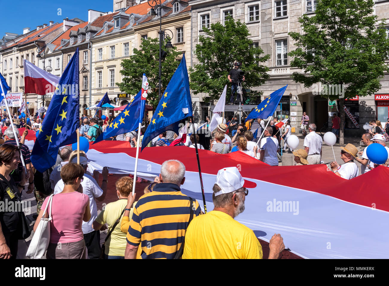 Warsaw, Poland. 12th May 2018. Thousands of anti-government protesters attend pro-European Freedom March organised in the Poland's capital against the nationalist government, the ruling Law and Justice Party (Prawo i Sprawiedliwosc) and its leader Mr. Jaroslaw Kaczynski. Credit: dario photography/Alamy Live News Stock Photo