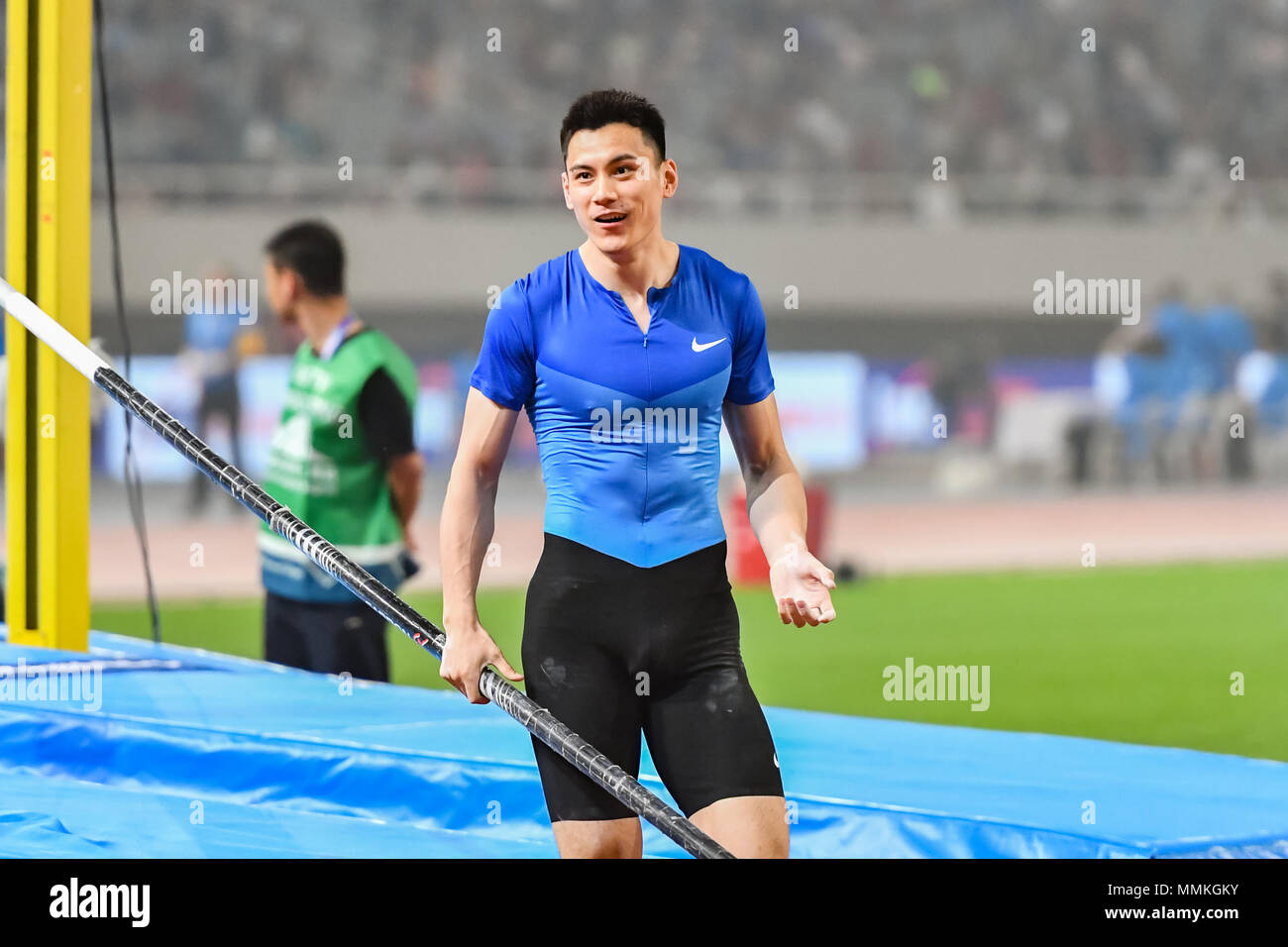 Shanghai, China. 12th May 2018. Jao Jie (CHN) was happy with the result during 2018 IAAF Shanghai Diamond League: MEN'S POLE VAULT at Shanghai Stadium on Saturday, 12 May 2018. SHANGHAI, CHINA. Credit: Taka G Wu Credit: Taka Wu/Alamy Live News - Stock Image