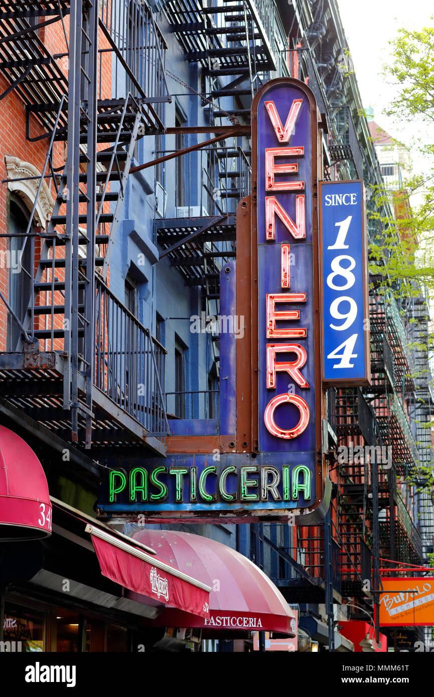 Veniero Pasticceria neon sign - Stock Image